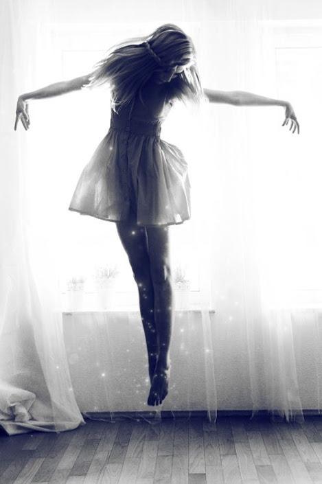 floating dancer